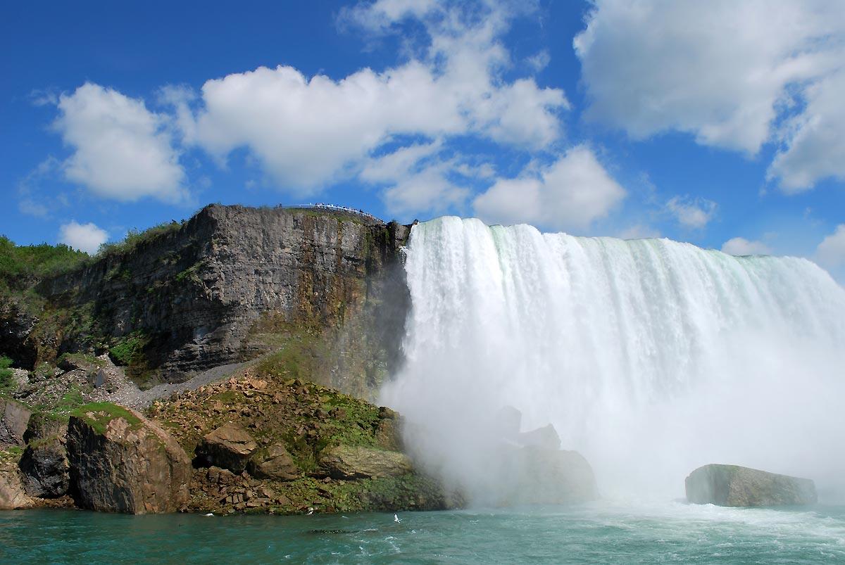 niagara falls beautiful view