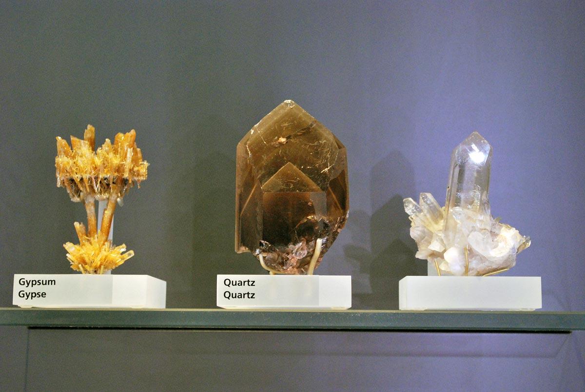 gypsum and quartz minerals