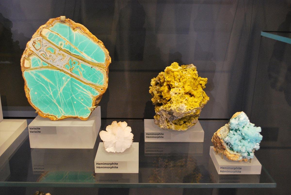 variscite and hemimorphite minerals
