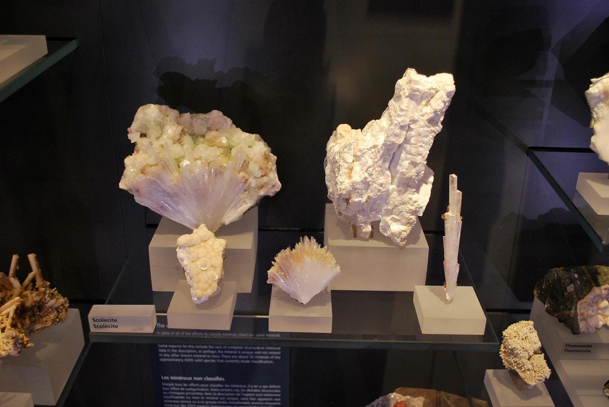 scolecite mineral