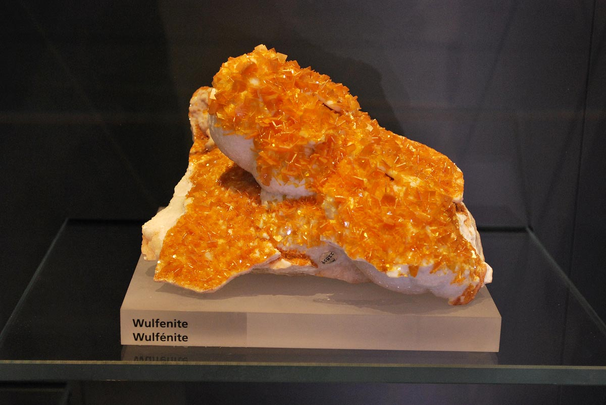 wilfenite mineral