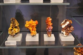 wulfenite mineral