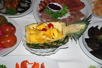 pineapple on banquet table