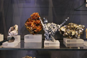 orpiment and stibnite minerals